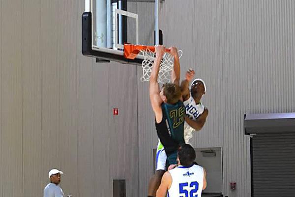 tmp-basketball-UAA-Finals-jake-lanford-dunk-2